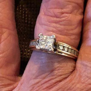 Jewelry - 14k natural diamond ring